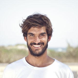 img-hugo-mediterranean-surf-school